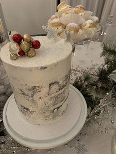 Christmas winter wonderland Christmas Cupcakes, Winter Wonderland, Desserts, Food, Christmas Biscuits, Tailgate Desserts, Deserts, Essen, Postres