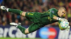 Victor Valdes, Barcelona By far, my favourite goalie.