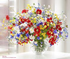amazingly realistic polymer clay flower arrangements hand-crafted by Russian artist Ekaterina Zverzhanskaya