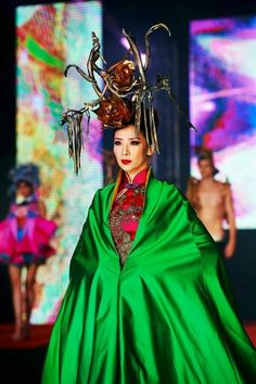 Carla soon wearing Bremen w millinery 'Fengguan's Roses empress Crown ' for Carven Ong fashion show at SOGO KL .