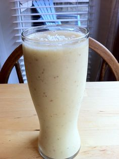 Orange Aloe Creamsicle Smoothie. Click here to see the full recipe - http://www.youngandraw.com/2012/02/24/orange-aloe-creamsicle-smoothie/ #raw #vegan #smoothie #recipe
