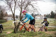 Time for a bit of mud... the event of the year is coming in two days as the third stage of @singlecrossitalianseries!!! I'm sure it will be pretty cold! minimum temperature forecast -6!!!  #ridelikeagirl #scis #womenscycling#cyclocross #girlpower #runnergirl #cycling #winter4igers #smithwomen