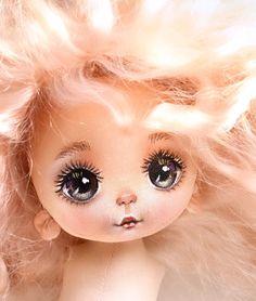 Doll Face Paint, Doll Painting, Child Doll, Girl Dolls, Art Doll Tutorial, Doll Videos, Doll Making Tutorials, Homemade Dolls, Bratz Doll