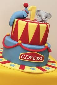 Circus cake with seal and elephant