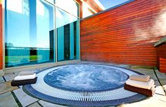 Visit the gallery page for Dunboyne Castle's Seoid Spa and view the fabulous photos or our luxury spa. Book your spa getaway with with Dunboyne Castle! Spa Images, Luxury Spa, Hotel Spa, Ireland, Castle, Gallery, Places, Outdoor Decor, Tub