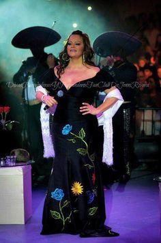 38 Mejores Imágenes De Vestidos De La Diva De La Banda