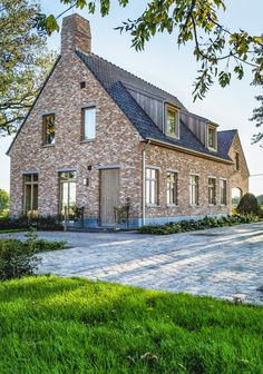 Mountain Home Exterior, Dream House Exterior, Future House, My House, Stommel Haus, Old Stone Houses, Build Your Own House, Industrial House, House Goals