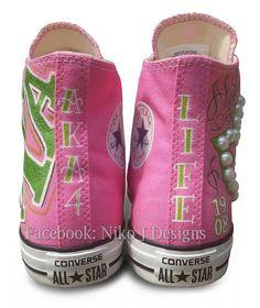 #Custom #aka #alphakappaalpha #converse #nikojdesigns #1908 #est1908 #skeewee Aka Sorority, Alpha Kappa Alpha Sorority, Sorority And Fraternity, Sorority Life, Pretty Girl Rock, Pretty In Pink, Pretty Girls, Aka Apparel, Converse Star