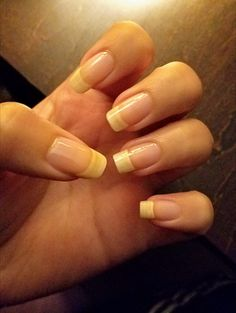 natural nails are beauties. Subtle Nails, Love Nails, Pretty Nails, Long Natural Nails, Natural Nail Designs, Bath And Body Works Perfume, Nails First, Round Nails, Summer Acrylic Nails