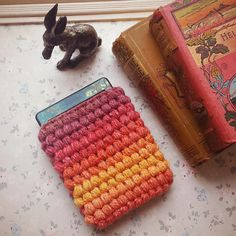 Crochet Kindle Cover ta dahhh and pattern! ~ Hooked by Robin