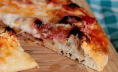 Pizza come in pizzeria con impasto autolisi e l'utilizzo di solo 2 g di lievito di birra.Pizza fatta in casa croccante,leggera, gustosa.Impasto pizza facile