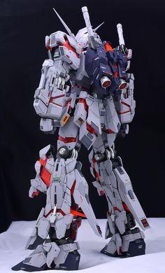 http://gundamguy.blogspot.com/2016/11/pg-160-unicorn-gundam-customized-build.html
