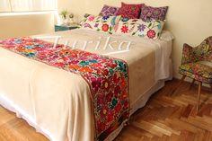 Pie de cama bordado mexicano. Modelo 6