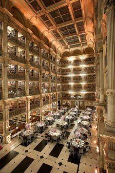 Bibliotecas del Mundo La Biblioteca George Peabody en Baltimore, Maryland, Estados Unidos.