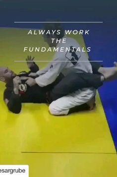 Martial Arts Moves, Self Defense Martial Arts, Martial Arts Styles, Martial Arts Techniques, Self Defense Techniques, Martial Arts Workout, Martial Arts Training, Mixed Martial Arts, Boxing Workout