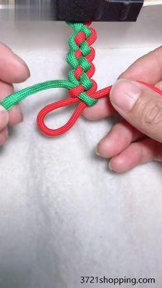 Diy Friendship Bracelets Patterns, Diy Bracelets Easy, Braided Bracelets, Bracelet Crafts, Jewelry Crafts, Fishtail Friendship Bracelets, Rope Crafts, Yarn Crafts, Diy Braids