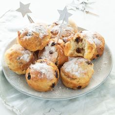 Gezonde(re) oliebollen uit de oven - Leuke recepten Fun Baking Recipes, Dutch Recipes, Healthy Baking, Beignets, Air Fryer Recipes, Donuts, Baked Goods, Muffins, Oven