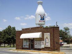 Braum's Milk on Route 66, Oklahoma City, Oklahoma 2006