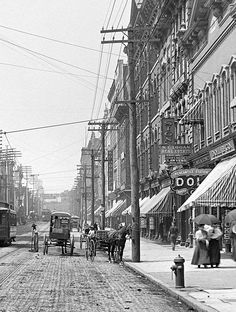 Knoxville, Tennessee, circa 1905.
