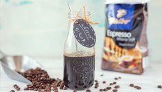 Domáci kávový sirup na zdobenie Barista, Espresso, Wine, Drinks, Bottle, Blog, Recipes, Med, Lemon