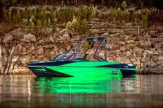 Axis Wake boats Research Introduces All-New T22 at Texas Malibu