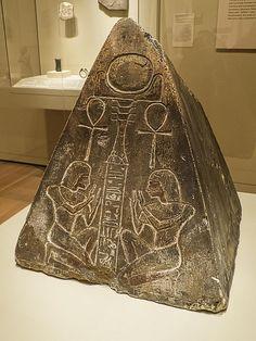 Pyramidion of Hori Egypt Abu Tig New Kingdom 18th Dynasty 1350 BCE Limestone | por mharrsch