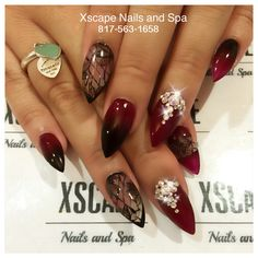 Ombré maroon nail designs