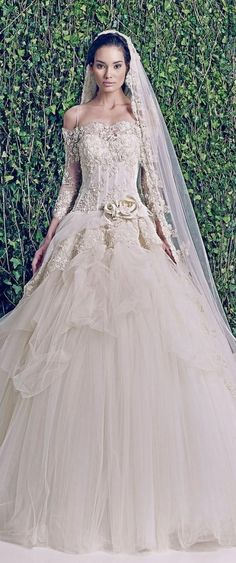 Zuhair Murad Bridal F W This Is A Stunning Gown