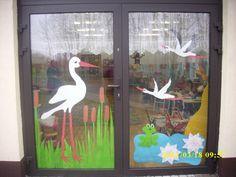 Bug Crafts, Daycare Crafts, Preschool Crafts, Diy And Crafts, Crafts For Kids, Paper Crafts, Infant Room Daycare, School Door Decorations, School Doors