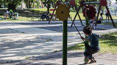 Idén 10 milliárd forintot kívánnak bölcsődei fejlesztésekre fordítani, ami döntően új férőhelyek létrehozását jelenti, és elsősorban a közép-magyarországi régiót érinti - mondta Novák Katalin, az Emberi Erőforrások Minisztériuma család- és ifjúságügyért is felelős államtitkára egy szentendrei családi bölcsődében tartott sajtótájékoztatón az MTI tudósítása szerint.