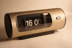 VINTAGE COPAL FLIP CLOCK MODEL T-11