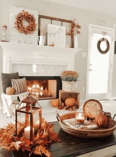 Thanksgiving Decorations, Seasonal Decor, Hosting Thanksgiving, Decorating For Thanksgiving, Thanksgiving Mantle, Happy Thanksgiving, Halloween Decorations, Fall Home Decor, Diy Home Decor