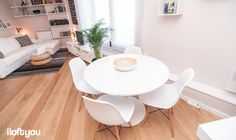 #proyectorocboronat #iloftyou #interiordesign #ikea #barcelona #lowcost #livingroom #eameschair #besta #lack #maisonsdumonde #faroiluminación #papua #doksta #diningroom #kivik #algot #stockholm #forhoja #enje