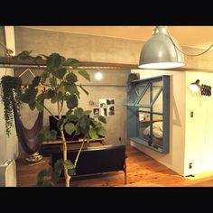 「裸電球」 「窓」 「ハンモック」 「リノベーション」 「カリモク」 「コンクリート」...etcが写っているbaumkuchenさんのインテリア実例写真を紹介します。2013-12-30 04:52:37に撮影されました。