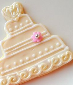 Wedding Cake Cookie Favor Ivory Wedding Cake Pink Flower - you can buy these, but I wanted to have a picture of the design and maybe make them myself!