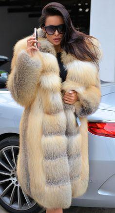 Rascal pick - Long Hair - All Dolled Up - Beauty Fur Fashion, Winter Fashion, Fashion Outfits, Womens Fashion, Fashion Trends, Fabulous Furs, Fox Fur Coat, Fur Coats, Chinchilla