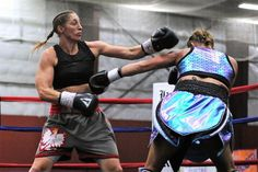 Aleksandra Lopes defeats Lisa Garland on points in Quincy, MA | REAL COMBAT MEDIA