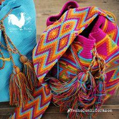 Abre tus ojos y encuentra vida en nuestros matices de colores #GalloRosa #HechoConElCorazon #HechoAMano #Artesanos #Diseño #Pasión #Cultura