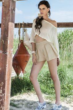 L'e-commerce dell'abbigliamento e accessori 100% fatti a mano da artigiani professionisti provenienti da tutta Italia. Moda donna, uomo, bambino e neonato. Cover Up, Shopping, Dresses, Fashion, Italia, Vestidos, Moda, Fasion, Dress