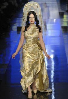 Dita Von Teese walking the Gaultier PARIS catwalk, SS07