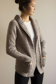 Ravelry: Buckley pattern by Melissa Schaschwary model tricot gilet Knit Cardigan Pattern, Sweater Knitting Patterns, Crochet Cardigan, Knit Or Crochet, Knit Patterns, Chunky Cardigan, Knit Sweaters, Slouchy Cardigan, Knit Shrug