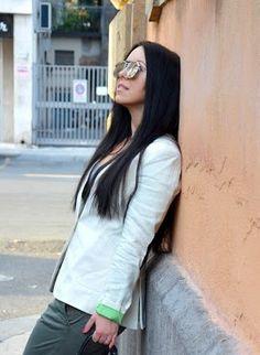 Katarzyna in her Sumissura made to measure blazer Linen Blazer, Blazers For Women, Design Your Own, Corduroy, Round Sunglasses, Velvet, Fabric, Collection, Style