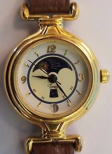 eaae5b2a205e Vintage-womans-Timex-moon-phase-watch-brown-leather-band-Gold-Tone-Calendar