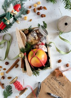 Most current Cost-Free Roast apple gift set Suggestions The very best over night holiday retreat in the Pacific Northwest is The Lights of Christmas in Sta Easy Diy Crafts, Diy Crafts To Sell, Diy Crafts For Kids, Dollar Store Christmas, Christmas Crafts, Christmas Wreaths, Apple Gifts, Roasted Apples, Ipad