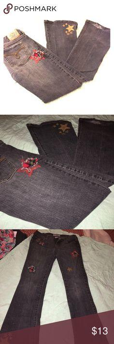 5 for $20Roxy Distressed Embellished Bootcut Jeans Throwback jeans! Flare/boot leg cut with patches and star print embellishments throughout. Fraying on bottom hems but otherwise amazing condition. Great blue-gray color! Roxy Jeans Boot Cut