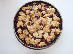 Berry Crisp  Entire recipe makes 10 servings Serving size is about 2/3 cup Each serving = 5 Points +