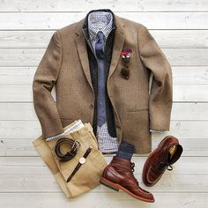 Shoes: Alden Indy Pocket Square: @wrongside_tx Watch: @danielwellingtonwatches Everything else: @jcrew