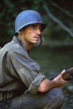Jim Caviezel - thin red line