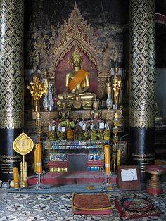 Altar Luang Prabang, Laos by Hanoi Mark, via Flickr
