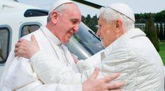 Benedicto XVI celebrará 65 años de sacerdocio junto al Papa Francisco 14/06/2016 - 05:49 pm .- El 28 de junio, en la Sala Clementina del Palacio Apostólico, tendrá lugar una ceremonia para celebrar el 65° aniversario de ordenación sacerdotal de Benedicto XVI, realizada el 29 de junio de 1951, y a la que asistirá el Papa Francisco.